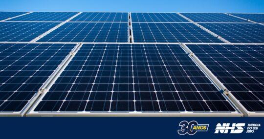 Inversores híbridos | Descubra como funcionam e quais as vantagens do inversor solar híbrido