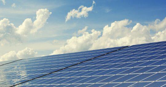Empresas e consumidores impulsionam energia solar no País